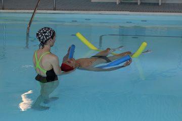 Idrokinesiterapia: esercizi di riabilitazione in acqua