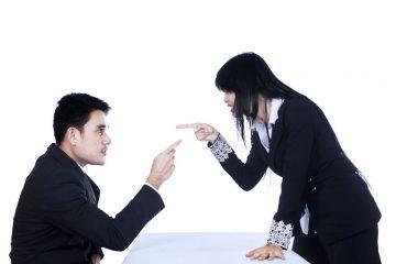 Come sopportare un collega antipatico