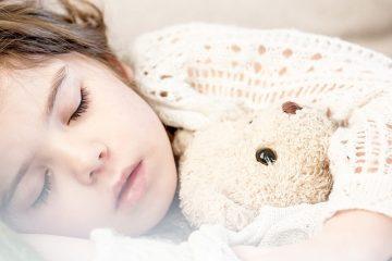Come aiutare un bambino a dormire