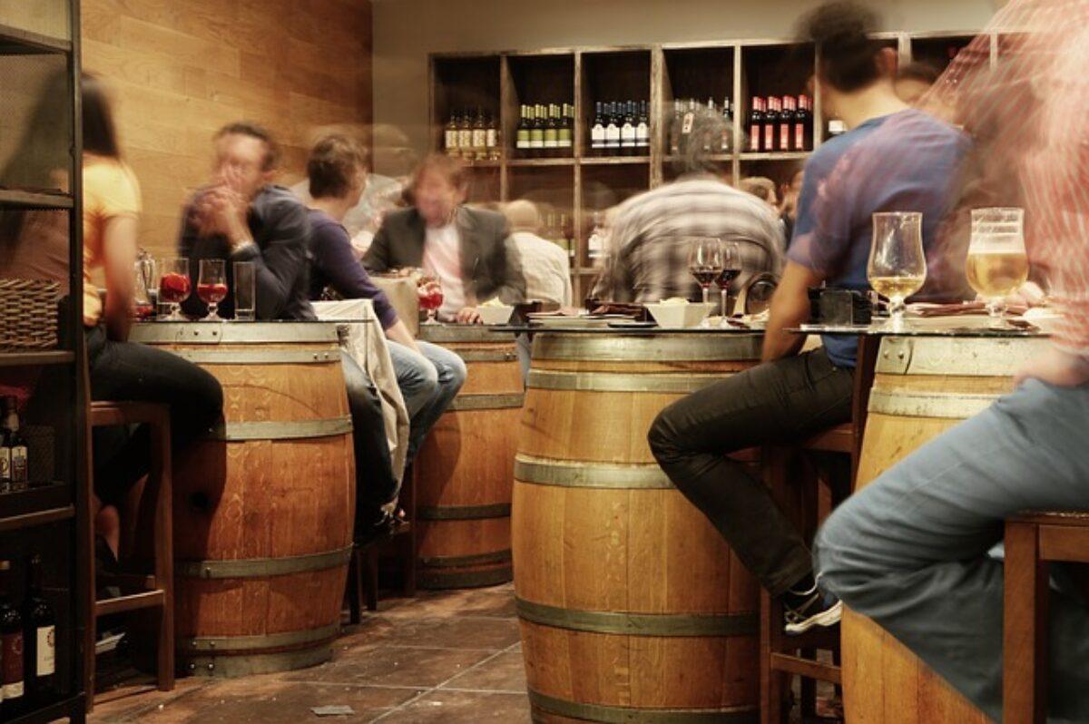 Cosa Organizzare In Un Bar si può cacciare un cliente dal bar?