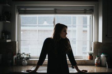 Vivere da soli: come organizzarsi?