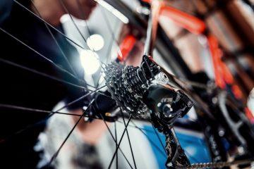 Bicicletta nel sottoscala condominiale