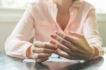 L'ex moglie può mantenere il cognome del marito?