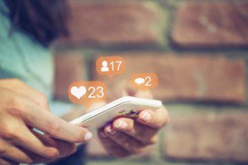 Social durante il lavoro: quando si rischia il posto?