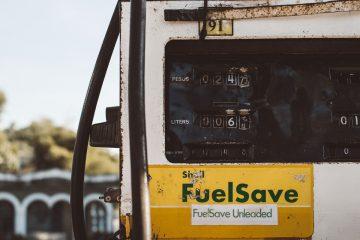 Benzina: un'onda anomala si abbatte sui prezzi