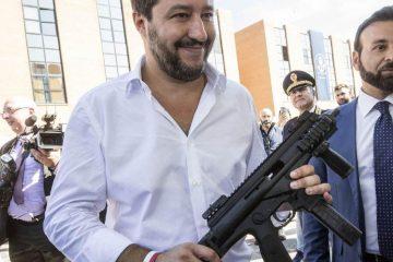 Salvini: tornare al servizio militare obbligatorio