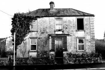 Cosa succede se occupo una casa abbandonata?