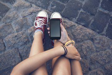 Mandare messaggi d'amore a una minorenne è reato?
