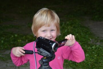 Riprese video di minori: cosa dice la legge?