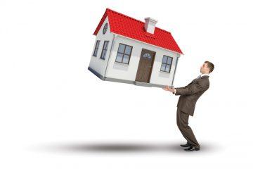 Casa data in prestito: quali rischi?