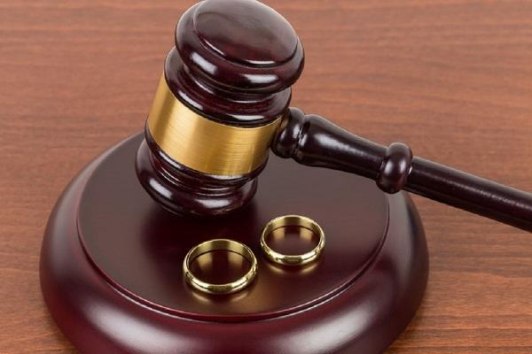 Assegno separazione e divorzio: c'è differenza?