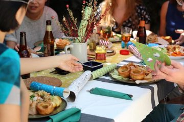 Come organizzare una cena tra amici
