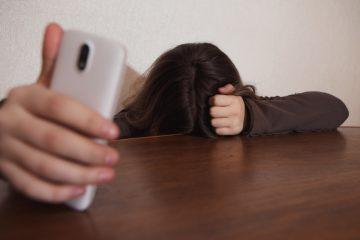 È stalking chiedere alla ex di vedere il figlio?
