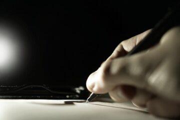 Come annullare la firma su un contratto