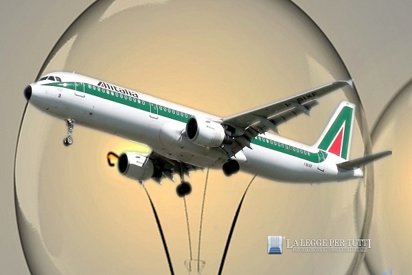 Rincaro bollette luce: arriva il canone Alitalia
