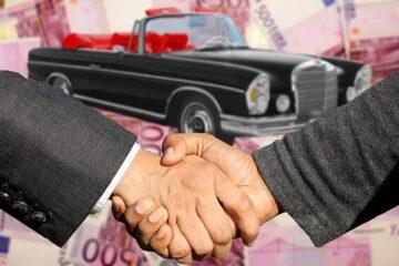 Per comprare un'auto serve la patente?