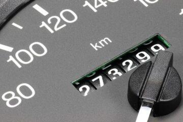 Come scoprire se il contachilometri è manomesso