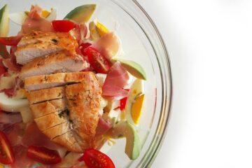 Come preparare l'insalata di pollo