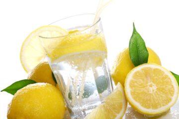 Acqua e limone la mattina: fa dimagrire davvero?
