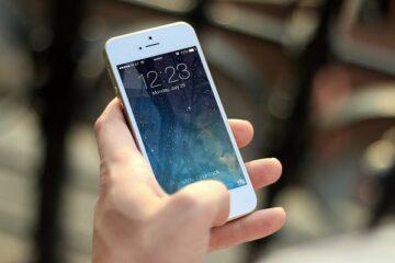 Si può comprare un cellulare con il reddito di cittadinanza