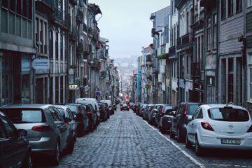 Parcheggio in doppia fila: quando è consentito?