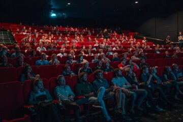 Si può mandare via uno spettatore dal cinema?