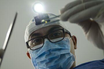 Come scoprire un falso dentista