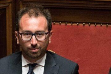 Un altro colpo al Governo: sfiduciato il ministro Bonafede