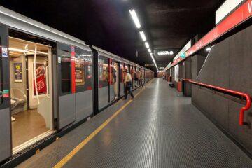 Caduta nella metro: c'è risarcimento se il pavimento è bagnato?