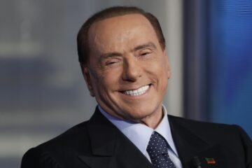 Berlusconi: «Forza Italia voterà sì al Mes»