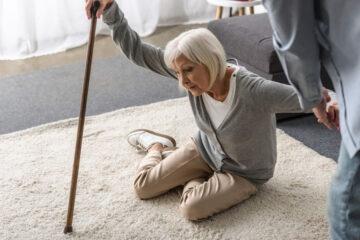 Genitori anziani e malati: che fare se un figlio si disinteressa?