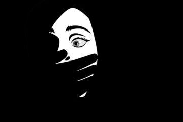 È reato toccare il seno della moglie e le parti intime?