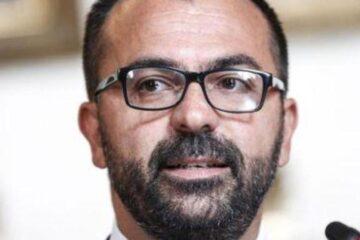 Il ministro dell'Istruzione Fioramonti si dimette