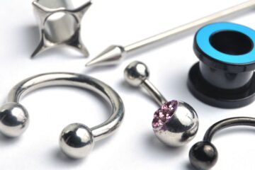 Piercing: ritirati articoli Made in China