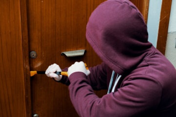 È più grave il furto o la ricettazione?