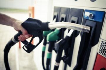 Carburanti: impennata prezzi dopo raid Usa in Iraq