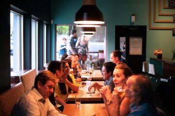 Cambiano ancora le regole nei ristoranti: le novità