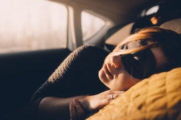 È legale dormire in macchina?