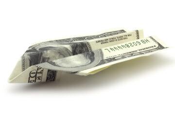 Contanti, troppi prelievi dal conto: partono i controlli