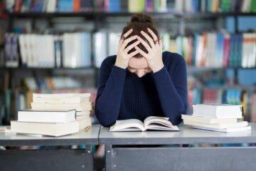Studente fuori corso: niente permessi retribuiti