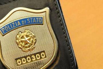 Tesserino polizia falso