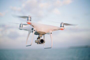Coronavirus: droni per controllare chi esce di casa. Le multe dall'alto