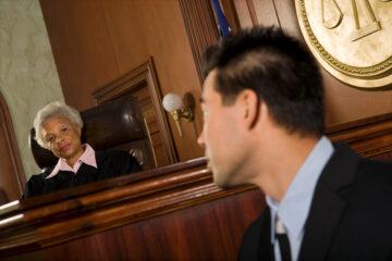 Non presentarsi in tribunale come testimone