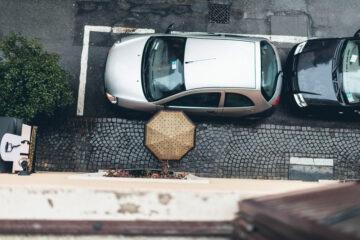 Danni auto parcheggiata