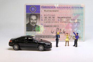 Coronavirus: per chi esce di casa, patente sospesa per 3 mesi
