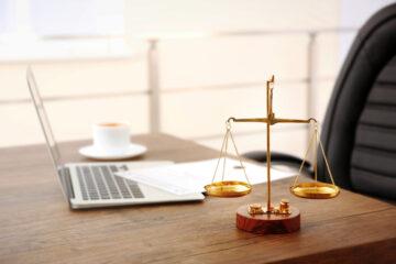 Covid: gli aiuti extra per gli avvocati