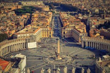 Chi gestisce i soldi del Vaticano
