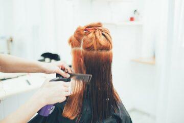 Covid-19: le regole per andare dal parrucchiere o in negozio