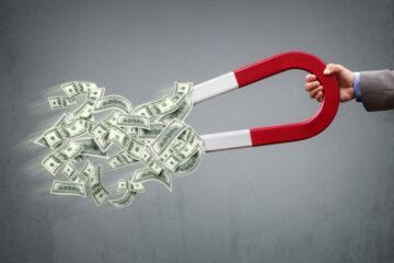 Soldi conto corrente fermi: quali rischi?