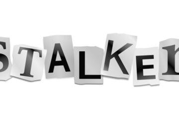 Stalker anziano: si può denunciare?
